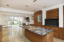 4 bedroom Town House in Hamilton Gardens St...