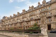 4 bed Apartment in Cambridge Gate Regents...
