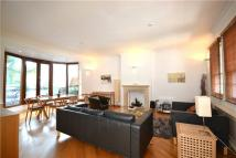 4 bedroom property in Grove End Road, London