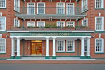 3 bed Flat to rent in St Johns Wood Court...