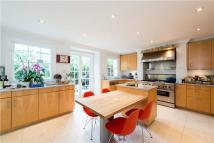4 bedroom house to rent in Blenheim Terrace, London