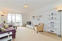 Flat to rent in Harrow Lodge...