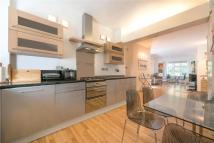 Flat to rent in Clifton Court...