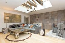 Maisonette to rent in Pont Street, Belgravia...