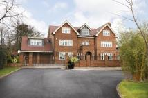 6 bedroom Detached home in Blakesfield Drive...