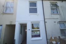 2 bedroom property to rent in Tower Hill, Dover, CT17