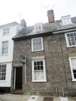 Town House to rent in College Street...