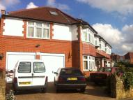 7 bedroom semi detached home in Burns Way, Hounslow, TW5