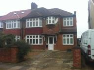 4 bed semi detached house in Burns Way, HOUNSLOW, TW5