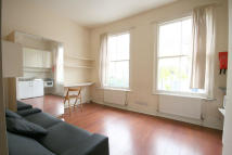 Studio apartment to rent in Alexander Road, London...