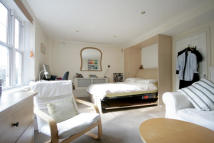 Studio flat to rent in Ferdinand Street, London...