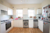 3 bed Flat in Cathcart Hill, London...