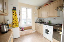 4 bed Flat to rent in Fairmead Road, London...