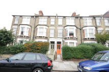 2 bed Flat in Raveley Street...