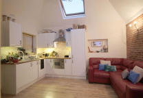 1 bed Flat in Osier Crescent, London...