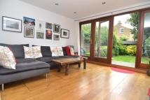 2 bedroom Flat to rent in Broomwood Road, SW11