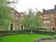 2 bedroom home in The Village, SW11