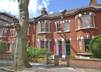3 bed home to rent in Silver Crescent, W4