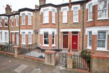 Flat to rent in Clovelly Road...