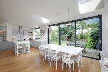 7 bed home in Connaught Avenue, SW14