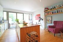 2 bedroom property to rent in Victoria Road, SW14