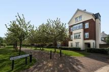 Detached home to rent in Greenlink Walk, Kew...