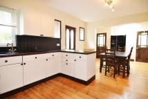 5 bedroom semi detached house to rent in King Charles Road...