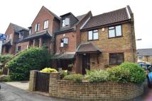 2 bedroom End of Terrace property to rent in Rectory Grove, Hampton