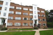 Flat to rent in Park Road, Hampton Wick