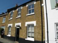 3 bedroom house in Park Road, Hampton Wick