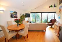 1 bedroom Flat in Hampton Court Road...