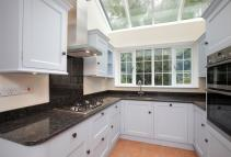 4 bed new property in Michelham Gardens...