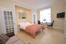 Studio flat in New Cavendish Street...