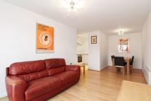 2 bedroom Apartment in Highwood Close, London...