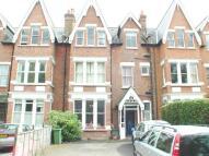 Ground Flat to rent in Kew Road, Richmond, TW9