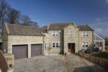 Detached home in Stoneroyd Farm, Flockton