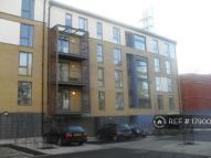 3 bed Flat to rent in Joslin Ave, London, NW9