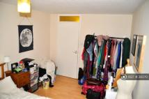 Flat to rent in Clifton Road...