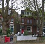 4 bedroom Flat in Broadhurst Gardens...