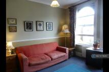 2 bedroom Maisonette in Bushey Hill Road, London...