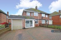 3 bed semi detached house in The Byeway, Banbury, OX16