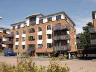 2 bed Flat to rent in Wallis Square...