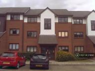 1 bed Flat to rent in Maple Gate, Loughton...
