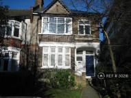 3 bedroom Maisonette in Leigham Court Road...