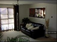 2 bedroom Flat in Courtney Park Road...