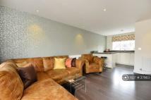 2 bed Flat in Queen Mary's Squar...