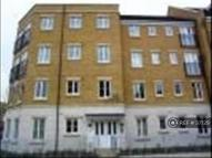 2 bed Flat to rent in Chandler Way, Peckham...