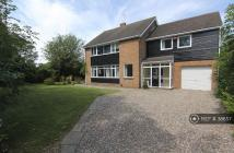5 bed Detached property to rent in Darlington Road...