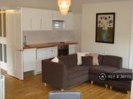 Flat to rent in Burton Road, London, SW9