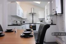 6 bed semi detached property to rent in Gloucester Avenue...